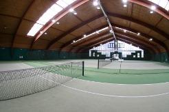 Teniško igrišče pod streho